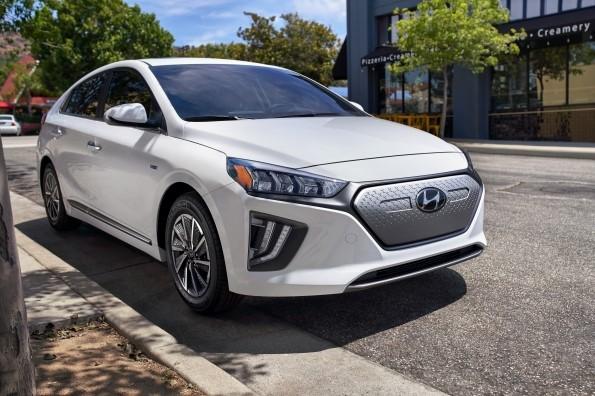 2020 HYUNDAI IONIQ ELECTRIC BOASTS 37% MORE DRIVING RANGE